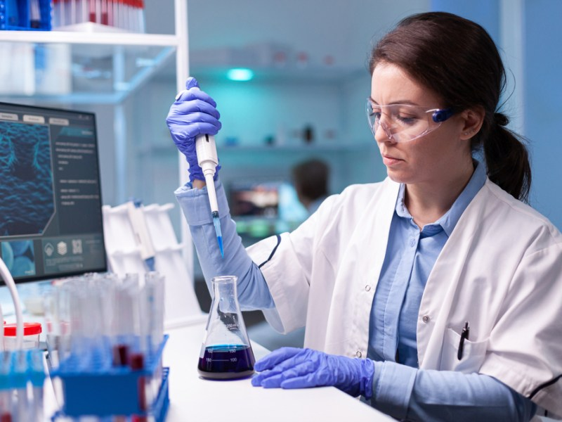Professional,Scientist,Taking,Sample,For,Medical,Experiment.,Chemist,Researcher,Working